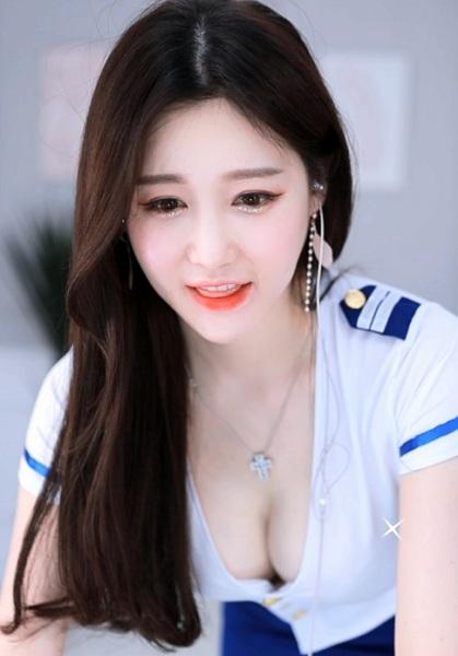 麻豆传媒直播官网女艺人版软件